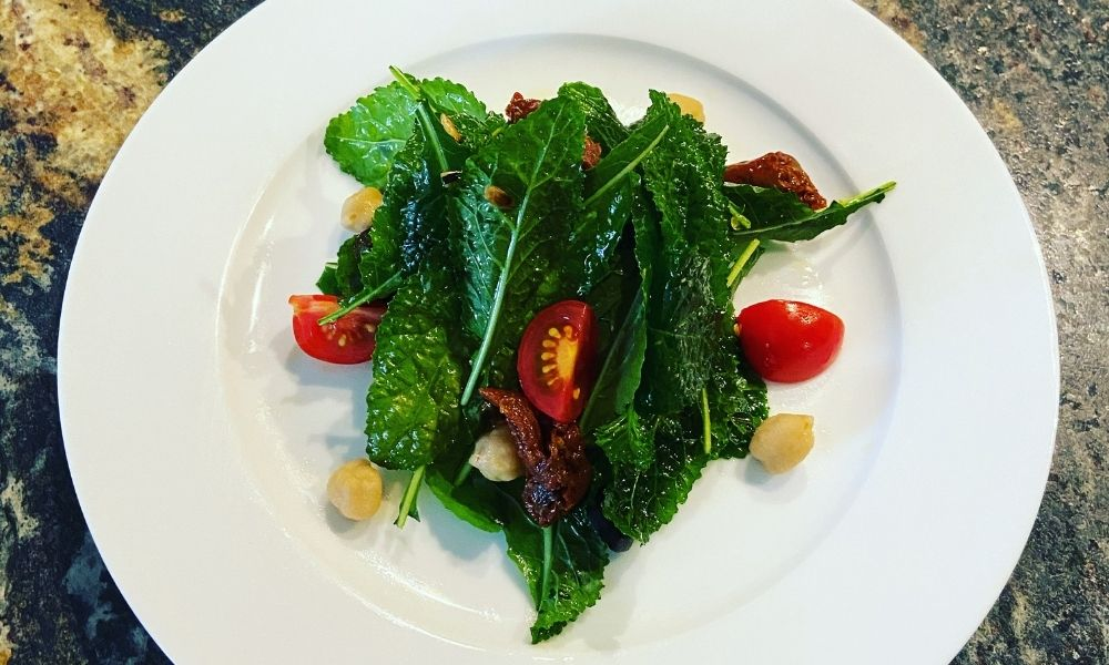 healthy nutrition - make your own salad